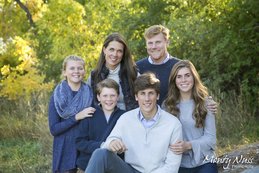 greenery blue colorado family photographer